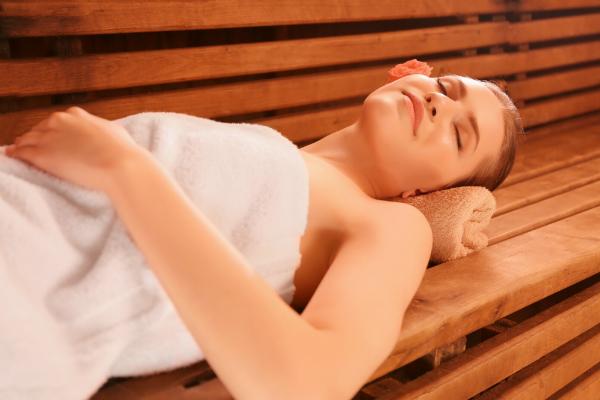 Erholung und Entspannung im Spa mit Sauna