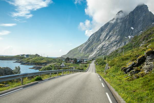 Strasse auf den Lofoten Norwegen