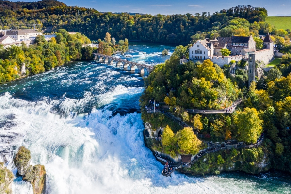 Rheinfall Wasserfall in Laufen-Uhwiesen Schweiz schweizer-campingtour