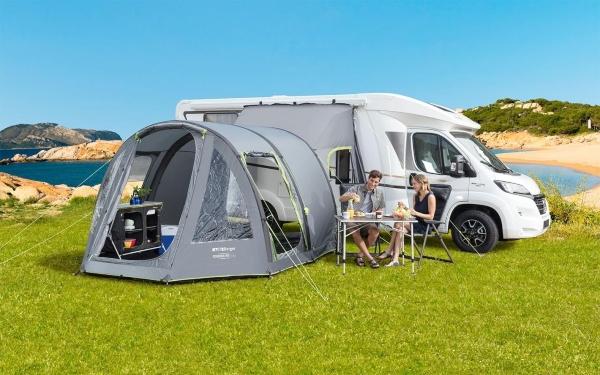 berger-touring-xl-reisemobil-kastenwagen-vorzelt-campingtrends-2020