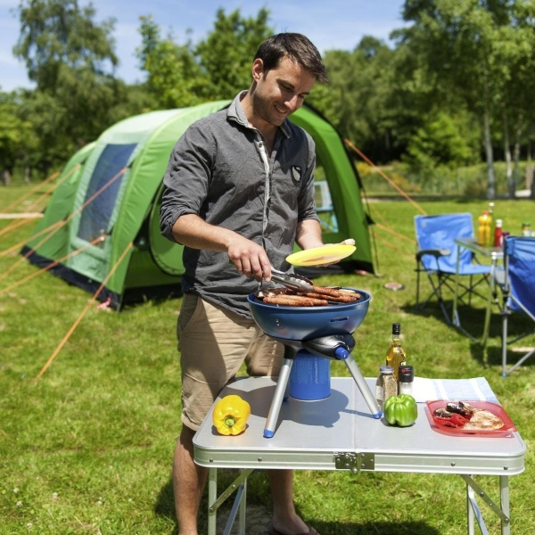 campingaz-party-grill-200-grillen-auf-dem-campingplatz