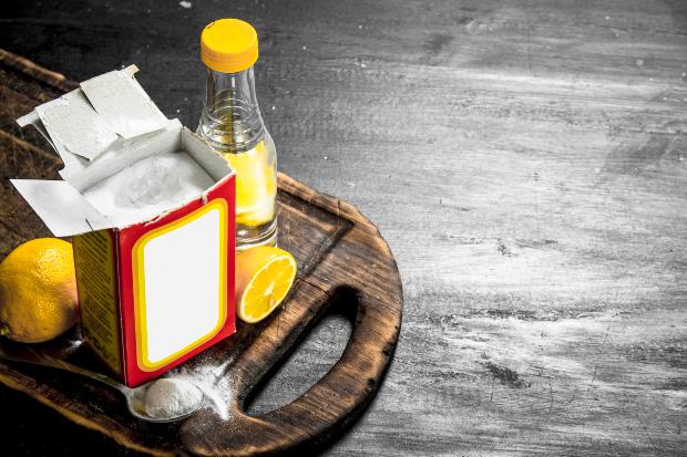 Essig, Zitronen und Backpulver - helfen beim Camper Sitzpolster reinigen