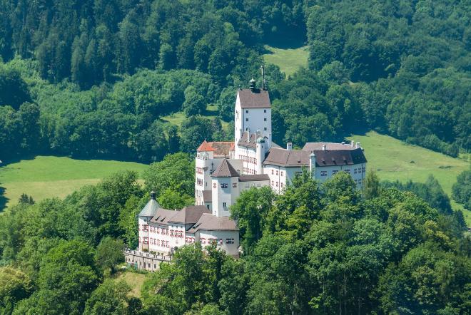 Schloss Hohenaschau im Chiemgau (Bayern) - Die schönsten Orte für Camping in den Bergen
