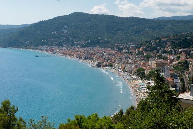 Der Golf von Alassio - der kürzeste Weg zum Meer aus der Schweiz