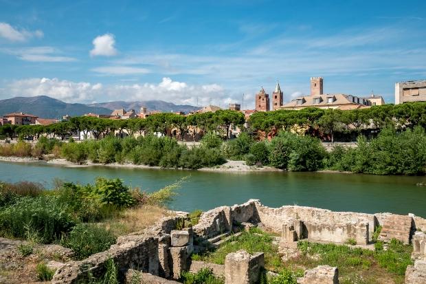 Blick auf die Altstadt von Albenga