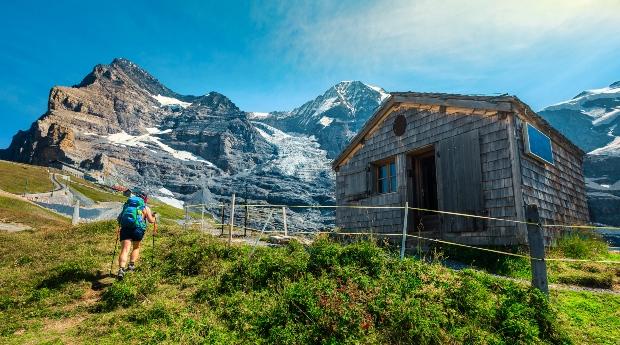 Wanderer in den Alpen - Ferien in der Schweiz 2021