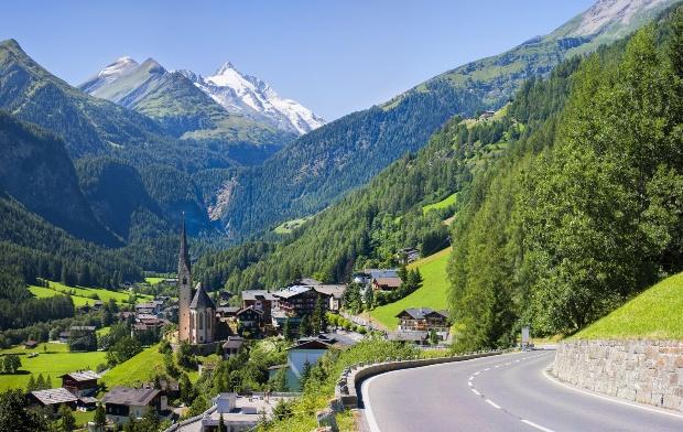 Pfarrkirche Heiligenblut - Die schönsten Campingplätze in Österreich