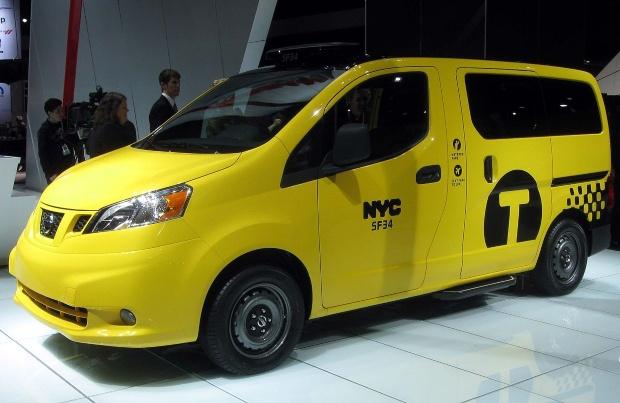 Nissan NV200 - Mini Camper