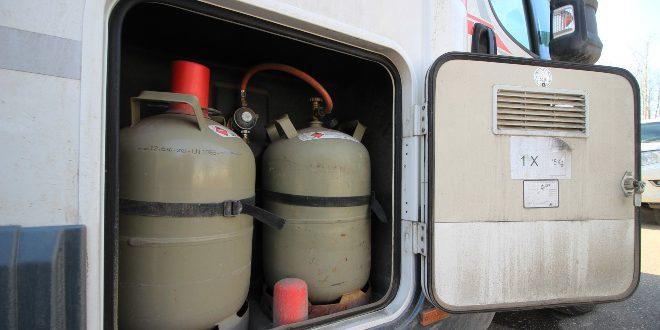 Gasflaschen, Gasleitung im Wohnwagen